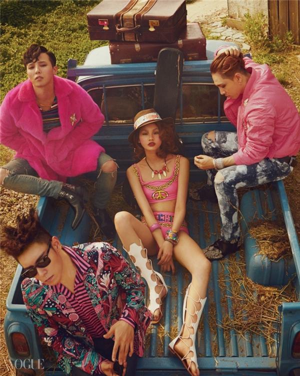 """Big Bang vừa trở thành người mẫu cho tạp chí Vogue Korea và chiếc áo khoáclông hiệu Saint Laurent của G-Dragon nhanh chóng nhận được sự chú ý nhờ giá trị """"khủng"""" lên đến 30.000 USD (tương đương 674,5 triệu đồng)."""