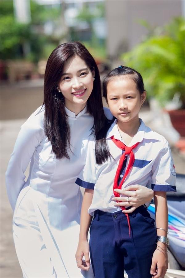 Người đẹp thích tham gia các chương trình từ thiện, đặc biệt các chương trình mang tính giáo dục. - Tin sao Viet - Tin tuc sao Viet - Scandal sao Viet - Tin tuc cua Sao - Tin cua Sao