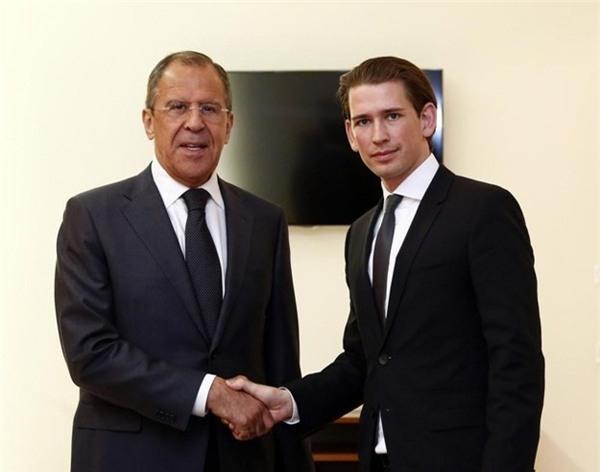 Hai Ngoại trưởng Nga - Áo gặp nhau. Ảnh: @mfa_russia/Twitter