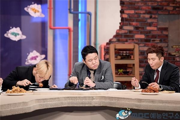 Baekhyun trải lòng khi fan không dám thừa nhận thích EXO