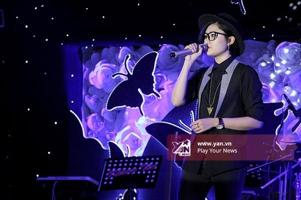 Vicky Nhung hát liên khúc các bài hit nhạc trẻ. - Tin sao Viet - Tin tuc sao Viet - Scandal sao Viet - Tin tuc cua Sao - Tin cua Sao