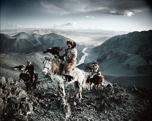 Họ là những con người mộc mạc, sống quây quần với nhau giữa thiên nhiên hoang dã.(Nguồn:higherperspectives.com)