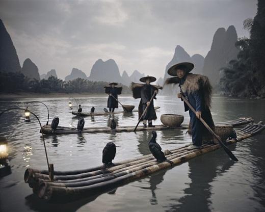 Một buổi chiều trời âm u cùng những dân cư của bộ lạc thiểu số ở Trung Quốc.(Nguồn:higherperspectives.com)