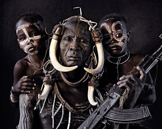 Một bộ lạc ở châu Phi.(Nguồn:higherperspectives.com)