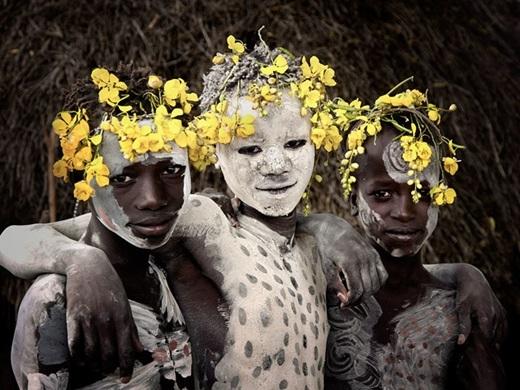 Cuộc sống của họ tuy không đầy đủ tiện nghi và giàu có nhưng không bao giờ thiếu sắc màu.(Nguồn:higherperspectives.com)