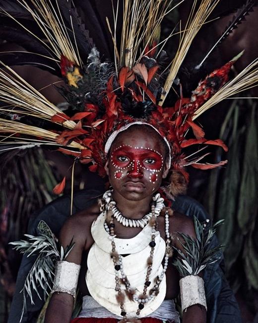 Nhận được số tiền tài trợ 400.000 euro từ tỉ phú Macel Boekhoorn, Jimmy đã lang thang để tìm đến 35 bộ lạc ở khắp châu Á, châu Phi, châu Âu, Nam Mĩ và cả vùng Nam Thái Bình Dương.(Nguồn:higherperspectives.com)