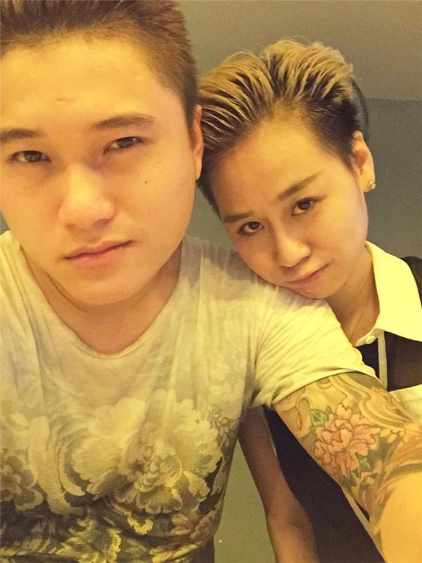 """Cặp đôi Vũ Duy Khánh - Tiên Moon được fan nhận xét là có """"số phu thê"""" do gương mặt khá giống nhau. - Tin sao Viet - Tin tuc sao Viet - Scandal sao Viet - Tin tuc cua Sao - Tin cua Sao"""