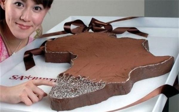 Chiếc bánh Africa Cake (Châu Phi) có giá 5 triệu USD.