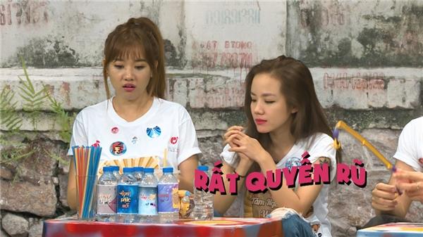 Ngoài ra, Hari Won cũng tạo nên nhiều tiếng cười khi tham gia chương trình. - Tin sao Viet - Tin tuc sao Viet - Scandal sao Viet - Tin tuc cua Sao - Tin cua Sao