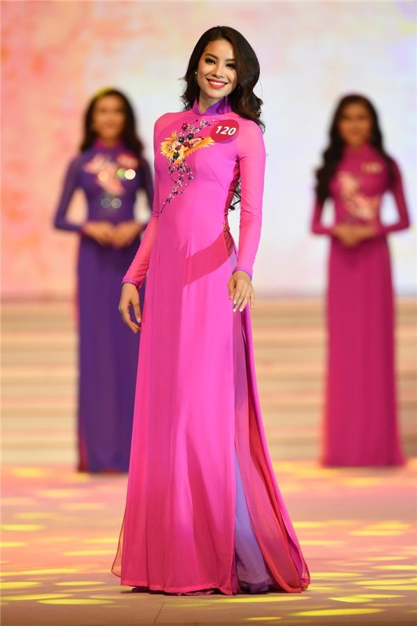 Phạm Hương - nhân tố đang được đánh giá cao nhất cho ngôi vị hoa hậu năm nay.