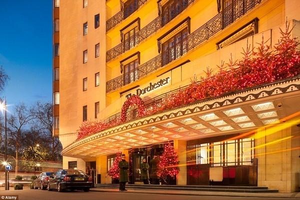 Khách sạn 5 sao Dorchester là nơi tụ tập nhiều gia đình Ả Rập nhất tại Anh.