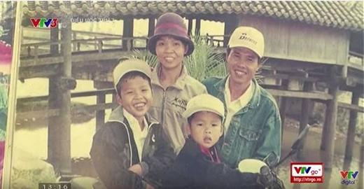 Hạnh phúc gia đình trọn vẹn đã không vững bền khi người vợ ông Đề đột ngột ra đi năm 2005…(Nguồn: VTV3)
