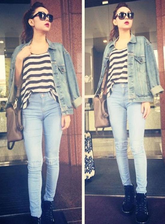 Bạn gái yêu thích phong cách bụi bặm và năng động thì đừng bỏ qua những chiếc áo khoác jeans hay denim như nữ ca sĩ Minh Hằng. Đây cũng là item được giới mộ điệu lăng xê trời se lạnh.
