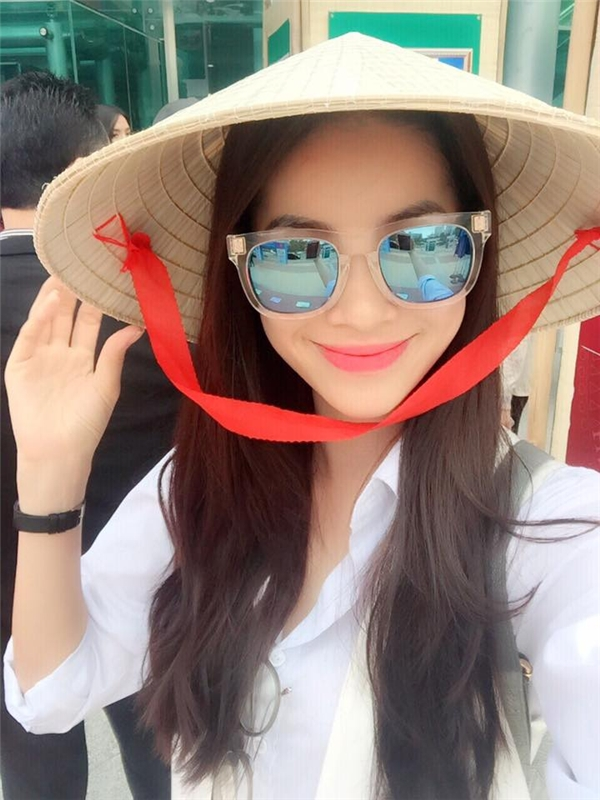 Hoa hậu Phạm Hương mặt mộc khoe vòng eo con kiến đầy mê hoặc - Tin sao Viet - Tin tuc sao Viet - Scandal sao Viet - Tin tuc cua Sao - Tin cua Sao