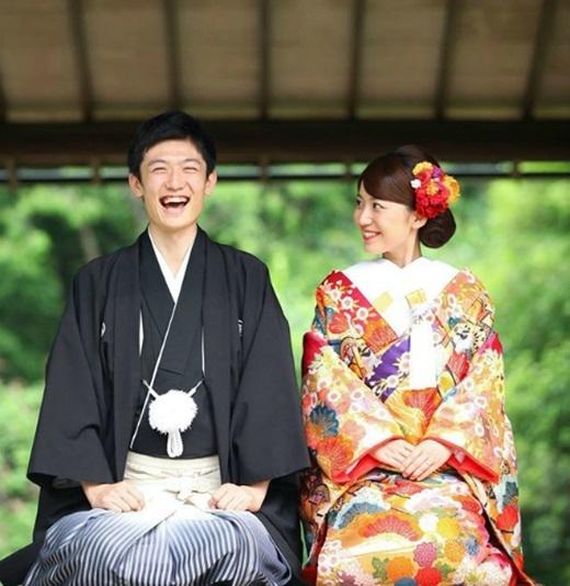 Không giống Việt Nam – đám cưới phải tổ chức tạiquê nhà của cô dâu và chú rể - đám cưới ở Nhật sẽ được tổ chức ở thành phố mà họđang sinh sống. Đặc biệt, thành phần khách mời sẽ chỉ toàn là bạn bè của cô dâuchú rể thôi.(Nguồn: Internet)