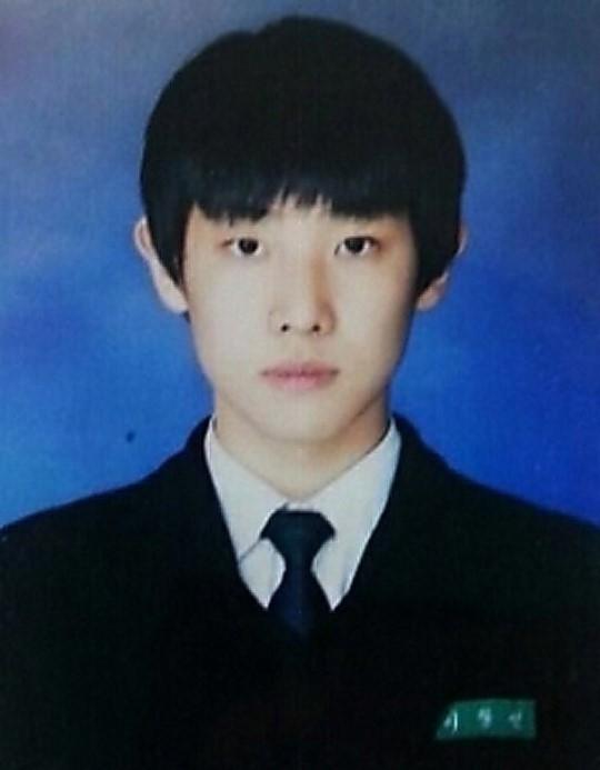 Ngắm nhan sắc đỉnh cao thời trung học của mĩ nam xứ Hàn