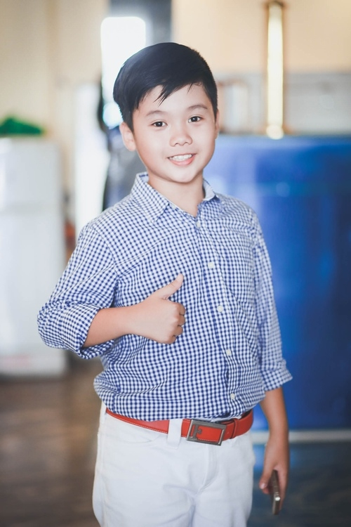 Trọng Khang có tính cách khá giống với hình tượng cậu bé Tường, em út nhanh nhẹn có đức tính nhân hậu và hi sinh đến mức khiến nhiều khán giả rơi nước mắt khi xem phim.
