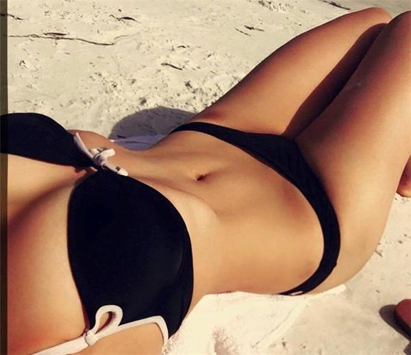 Ăn uống và rèn luyện đều đặn giúp cô sở hữu thân hình hoàn hảo.