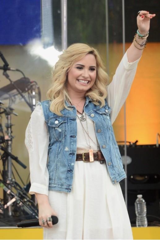 Nữ ca sĩ đã nhiều lần bỏ Twitter rồi lại dùng.
