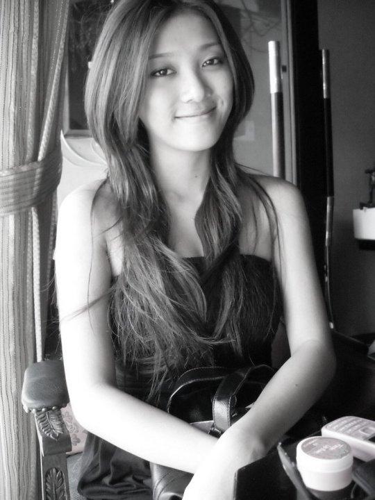Yumi của thời tóc dài hiền lành, xinh xắn. - Tin sao Viet - Tin tuc sao Viet - Scandal sao Viet - Tin tuc cua Sao - Tin cua Sao