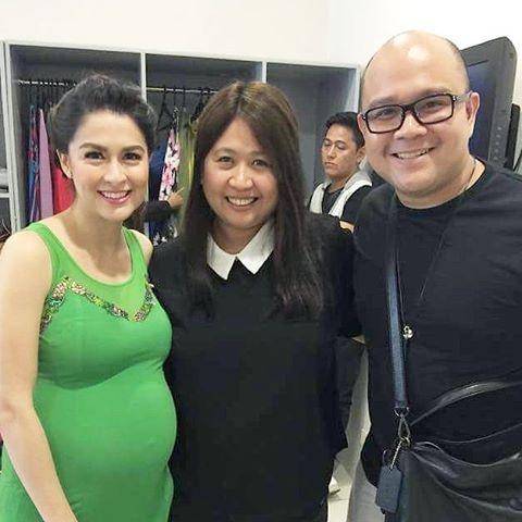 Mĩ nhân đẹp nhất Philippines tự tin khoe bụng bầu 34 tuần