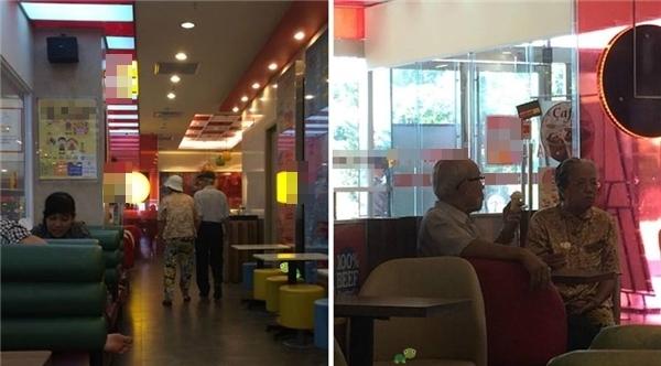 Hai cụ tay trong tay đi vào một hàng thức ăn nhanh, gọi hai que kem, cùng nhâm nhi rồi lại nắm chặt tay ra về. Khoảnh khắc vô cùng đẹp và ý nghĩa của hai cụ đã khiến tất cả những người được dịp chứng kiến phải ghen tị. (Ảnh: Internet)