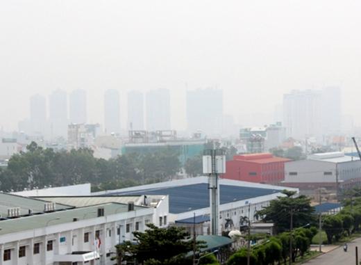 Sương mù dày đặc tại TP.HCM sáng 6/10. (Ảnh: Vnexpress)