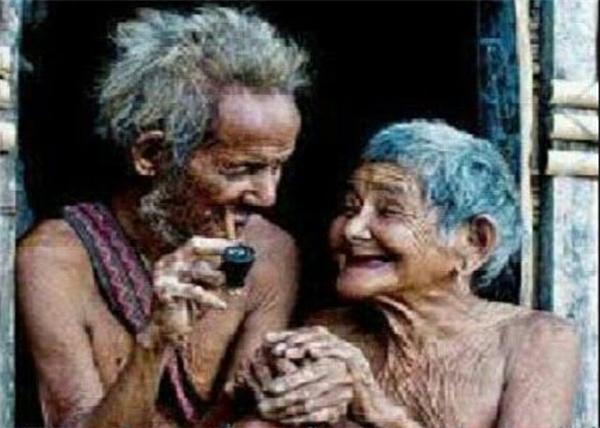 Thực ra họ rất giàu, giàu tình cảm và yêu thương.