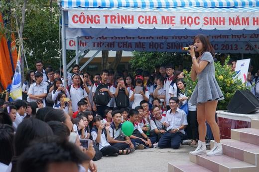Noo Phước Thịnh mang hit mới hát tặng học sinh THPT Lương Văn Can - Tin sao Viet - Tin tuc sao Viet - Scandal sao Viet - Tin tuc cua Sao - Tin cua Sao