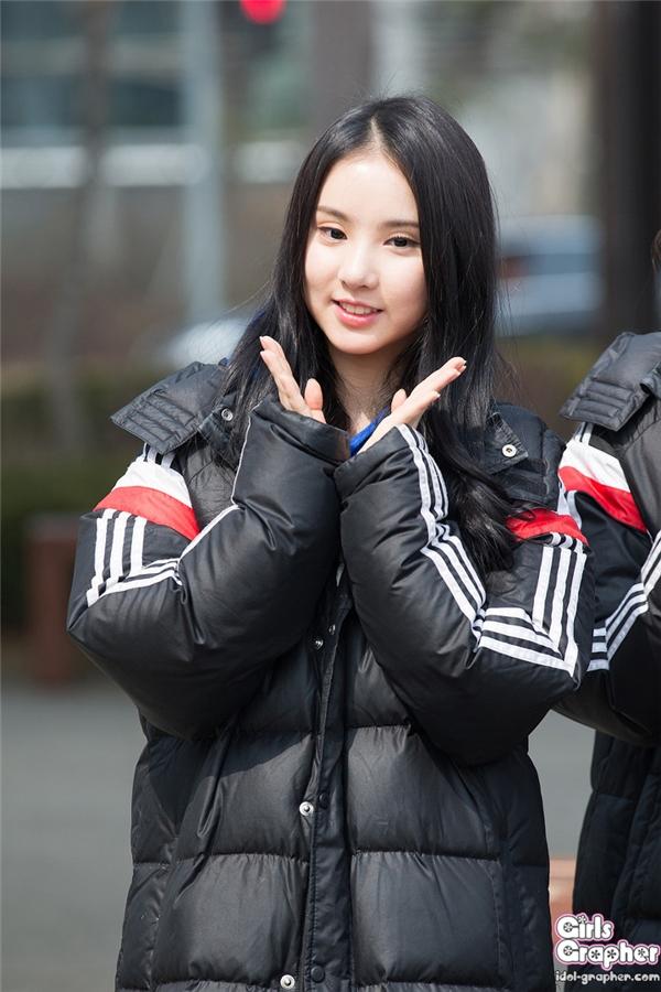 Vẫn sở hữu vẻ ngoài trẻ trung nhưng Eunha (G-Friend) vẫn bị chê già hơn số tuổi 19 hiện tại của cô.
