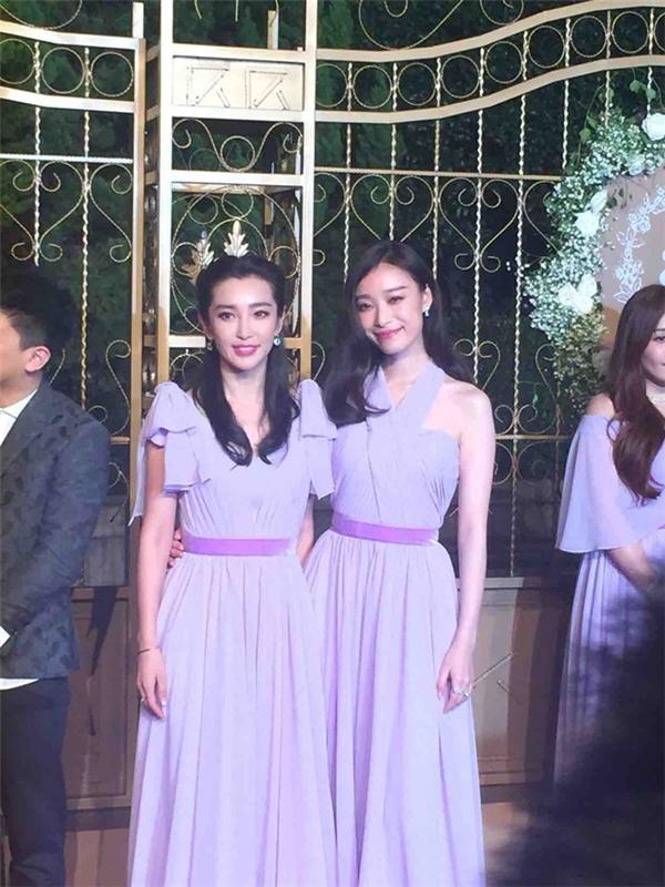 2 mỹ nhân của showbiz Hoa ngữ Lý Băng Băng và Nghê Ni lộng lẫy trong trang phục phù dâu