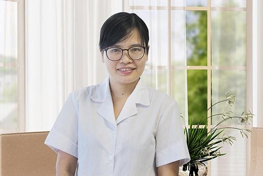 Dược sĩ Nguyễn Thị Thúy – Trưởng nhóm nghiên cứu và phát triển sản phẩm, Công ty Dược phẩm Hoa Linh