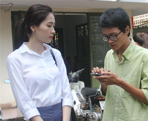Hoa hậu Đặng Thu Thảo trả lời phóng viên. - Tin sao Viet - Tin tuc sao Viet - Scandal sao Viet - Tin tuc cua Sao - Tin cua Sao