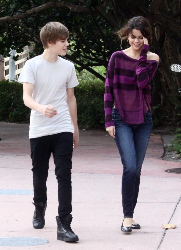 Chàng ca sĩ 21 tuổi luôn dành những lời có cánh để nói về Selena.