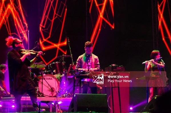Mãn nhãn với đêm diễn đầu tiên của Monsoon Music Festival 2015 - Tin sao Viet - Tin tuc sao Viet - Scandal sao Viet - Tin tuc cua Sao - Tin cua Sao