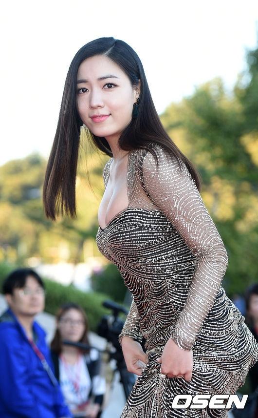 Hwayounglấn sân sang lĩnh vực phim ảnh sau vụ lùm xùm với T-ara.