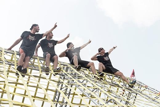 Khác với những đường đua ở trên, Champion Dash là cuộc đua vượt chướng ngại vật đầu tiên và duy nhất tại Việt Nam.
