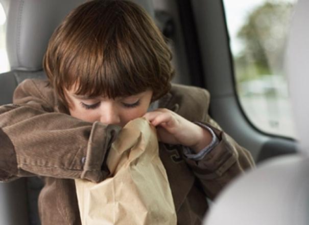 Miếng dán có thể giúp bạn thoát khỏi tình trạng ói mửa vì say xe.