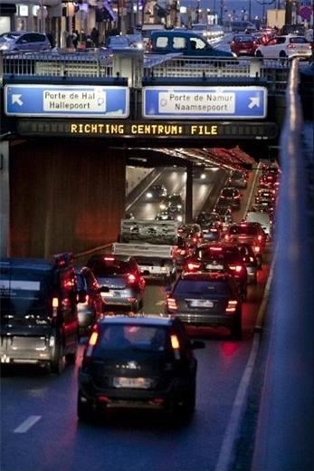 Phát hoảng với hình ảnh kẹt xe trên khắp thế giới