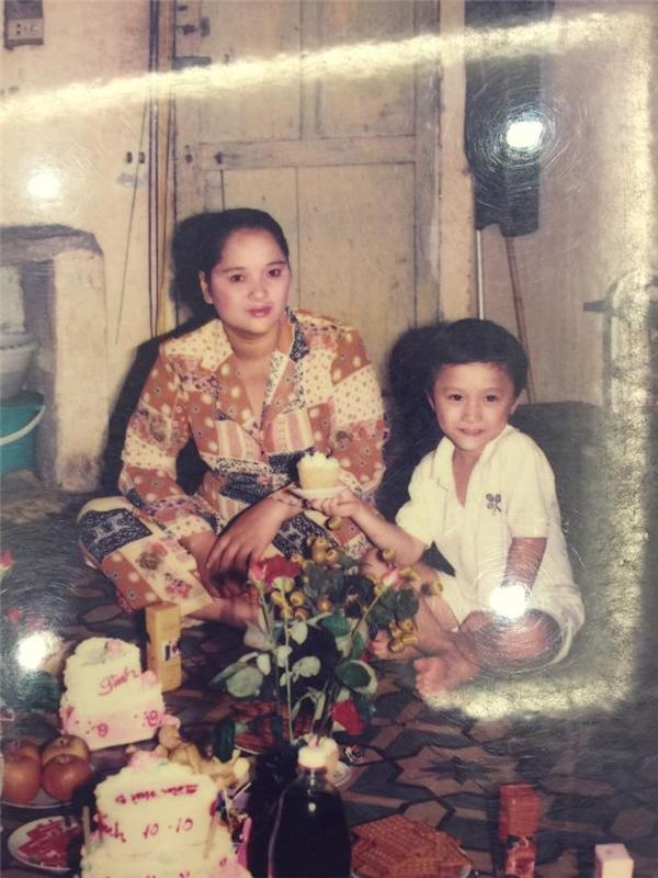 Vũ Duy Khánh tặng mẹ quà sinh nhật đặc biệt - Tin sao Viet - Tin tuc sao Viet - Scandal sao Viet - Tin tuc cua Sao - Tin cua Sao