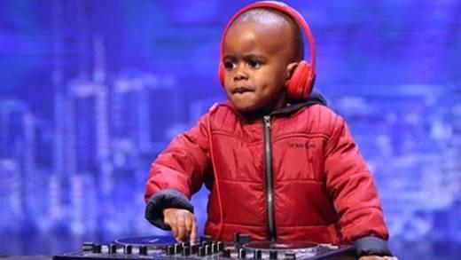 Thần đồng DJ 3 tuổi làm