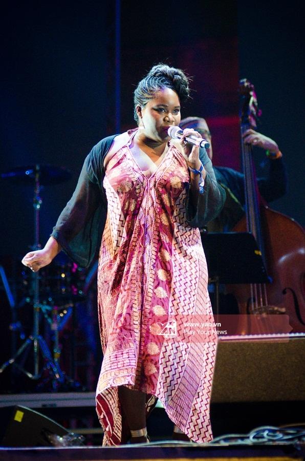 Nữ ca sĩ nhạc jazz Zara McFarlane. - Tin sao Viet - Tin tuc sao Viet - Scandal sao Viet - Tin tuc cua Sao - Tin cua Sao