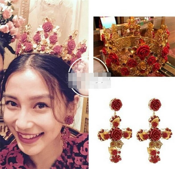 Đi kèm với trang phục của Fendi, AngelaBaby chọn trang sức đi kèm là vương miện và bông tai của Dolce&Gabana có giá lần lượt là 20.000 NDT (690 triệu đồng) và 5.500 NDT (19 triệu đồng).