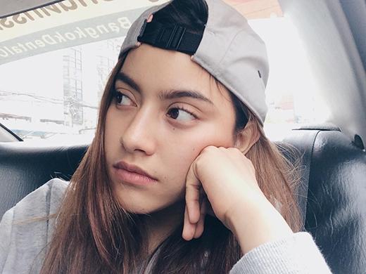 Dù Khả Ngân chưa công bố hay tag tên người bạn này nhưng nhiều người đoán rằng cô bạn thân ấy chínhlà Chanya – hot girl đình đám Thái Lan.