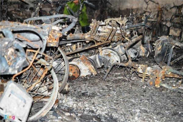 Đến chiều 12/10, cơ quan chức năng chưa nhận thông tin về việc có người mất tích hay tử vong trong vụ cháy.