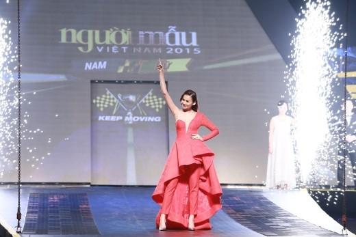 Host Thanh Hằng tự hào trước màn trình diễn của học trò