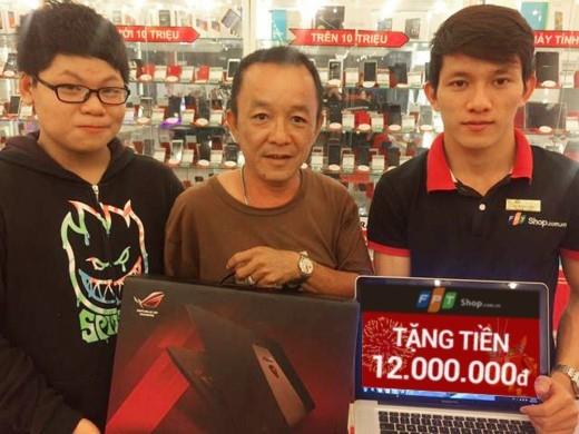 Được FPT Shop tặng 12 triệu đồng tiền mặt, anh Hoàng (Tp.HCM) rất vui mừng khi mua được laptop Asus GL552JX trị giá 17.990.000 đồng cho con trai với số tiền chỉ 5.990.000 đồng. Xem thêm.