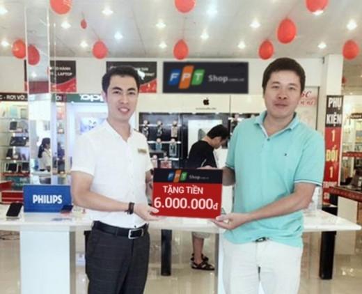 Được tặng 100% giá trị điện thoai đã mua, anh Thế Cao gửi lời cảm ơn đến nhân viên FPT Shop 135 Trần Hưng Đạo đã tư vấn nhiệt tình, góp phần mang lại may mắn đến cho anh.