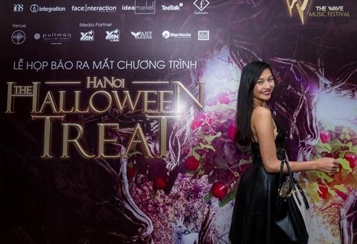 Người mẫu Thanh Vân - Top 10 Hoa hậu Thế giới Việthào hứng tham gia buổi họp báo. - Tin sao Viet - Tin tuc sao Viet - Scandal sao Viet - Tin tuc cua Sao - Tin cua Sao