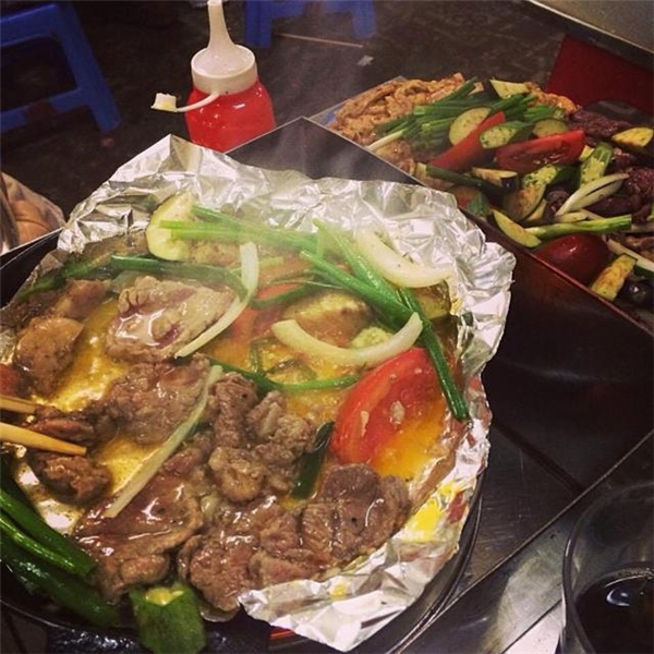 Quên lối về với những quán nướng vỉa hè ngày chớm đông Hà Nội
